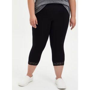 🆕 Black Lace Hem Premium Capri Legging 1X 14 16